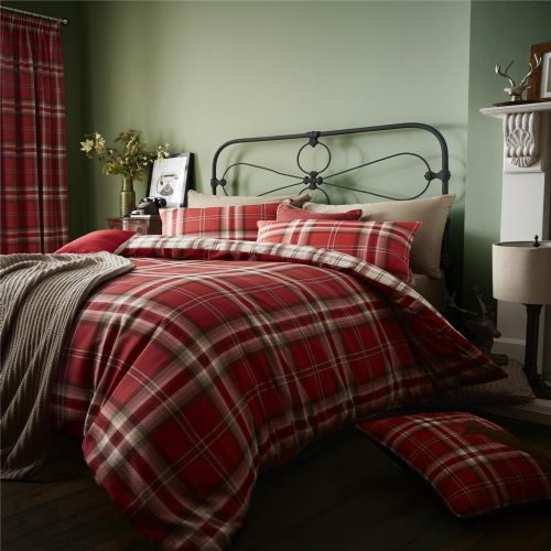 Catherine Lansfield Kelso Red Bedding Set